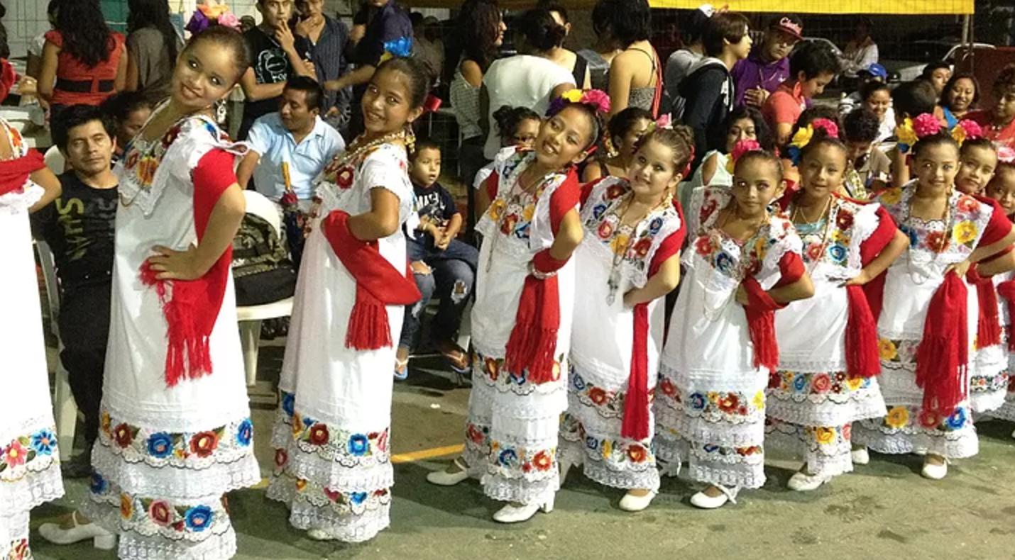escuela-de-danza-los-reyes-del-caribe-fundacion-tulum